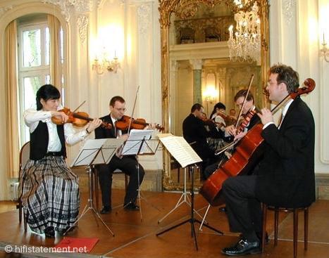 """""""Turina-Quartett"""" in historischem Raum (Leverkusen 2003) als Originalschauplatz mit visuellem Eindruck (Quelle: Turina-Quartett)"""