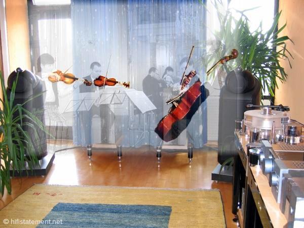 Situation der Wiedergabe eines auf Tonträger aufgezeichneten Konzertes (virtuelles Turina-Quartett)