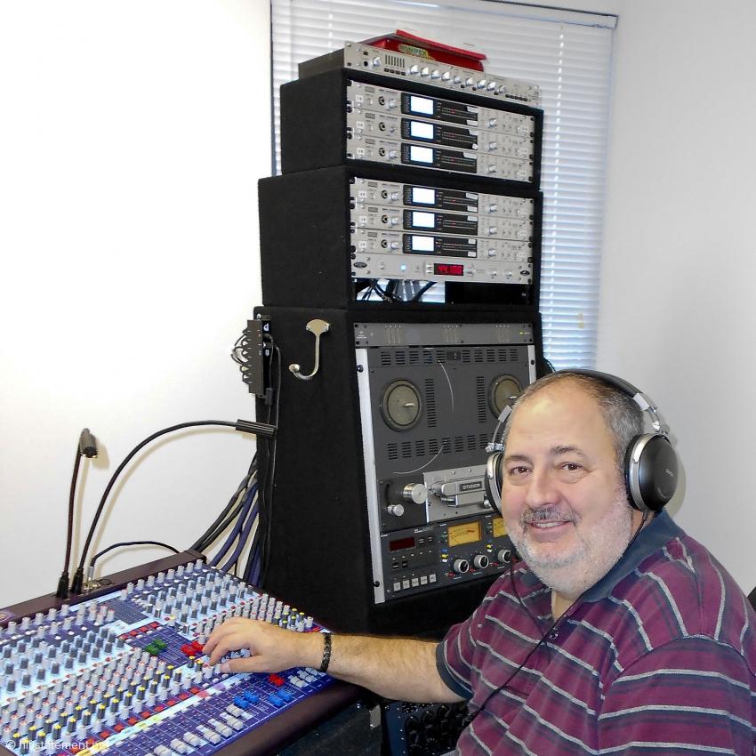 Joe Kubala nimmt mit synchronisierten Korg MR-2000 mit 5,6Mhz auf, mixt und mastert analog und zeichnet den Stereo-Mix in DSD und oft auch analog auf