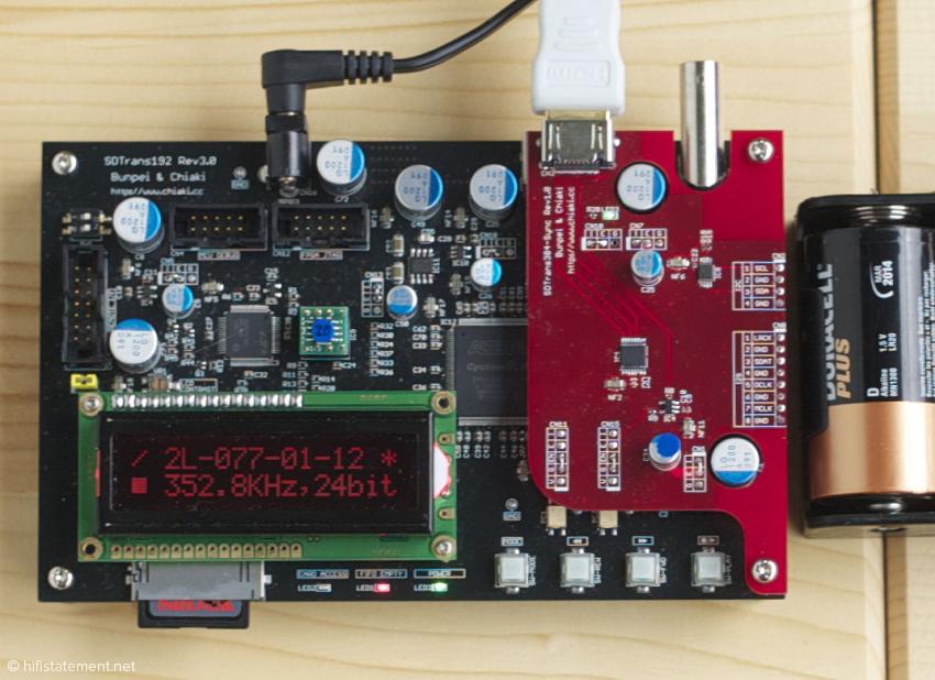 Der SDTrans spielt PCM-Dateien bis 384kHz ab. Die aufgesetzte Platine stellt die  I2S-über-HDMI-Schnittstelle bereit