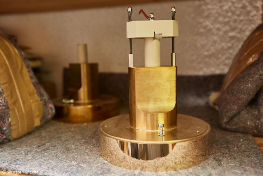 The brass horn of an Ion-Tweeter