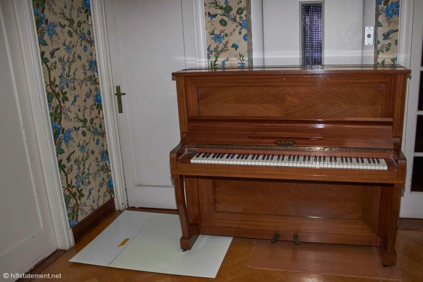 Ein – gestimmtes! – Klavier ist aber schon vorhanden