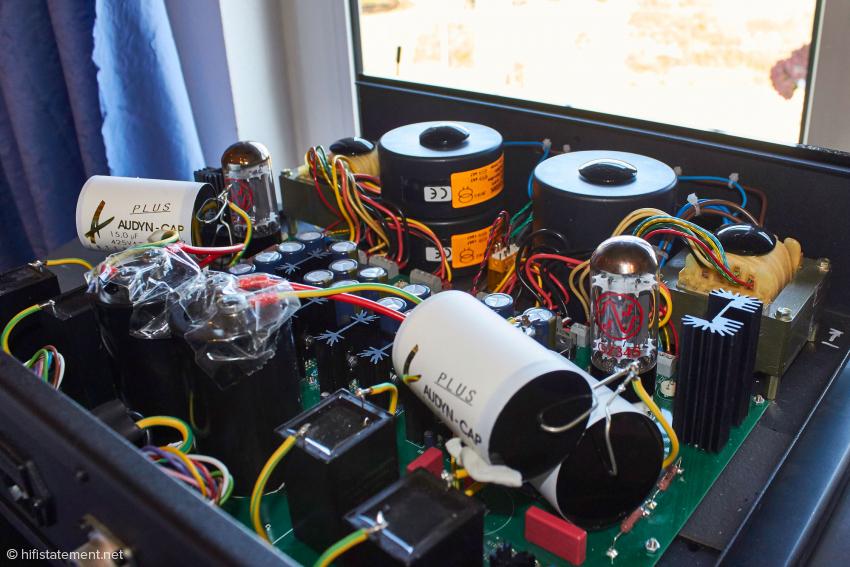 Audio Exklusiv spendiert dem R7 sechs Transformatoren