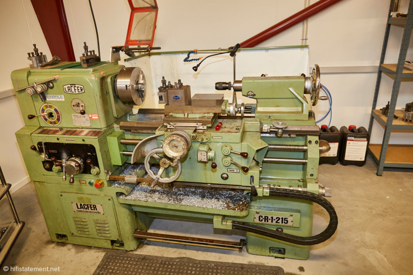 A classic lathe that has been serving Johnnie B. faithfully in the production of turntables and tonearms for many years
