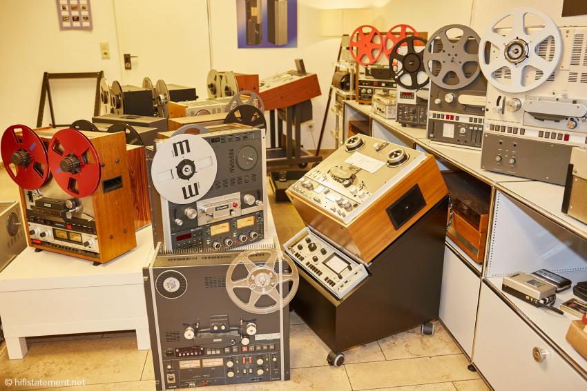 Eine große Auswahl an restaurieren Bandmaschinen gibt es bei EternalArts zu bestaunen