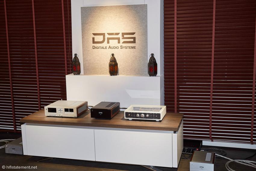 Model 2 und 4 mit einer Vorstufe der Wiener Lautsprecher Manufaktur