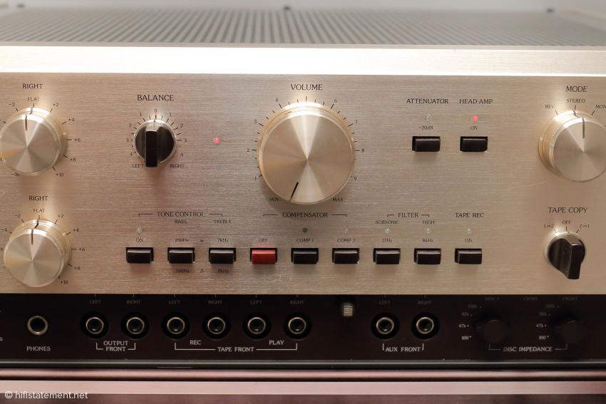 Ein Accuphase C-200X aus den frühen 80-ern ist meist den Aufwand einer Restauration wert