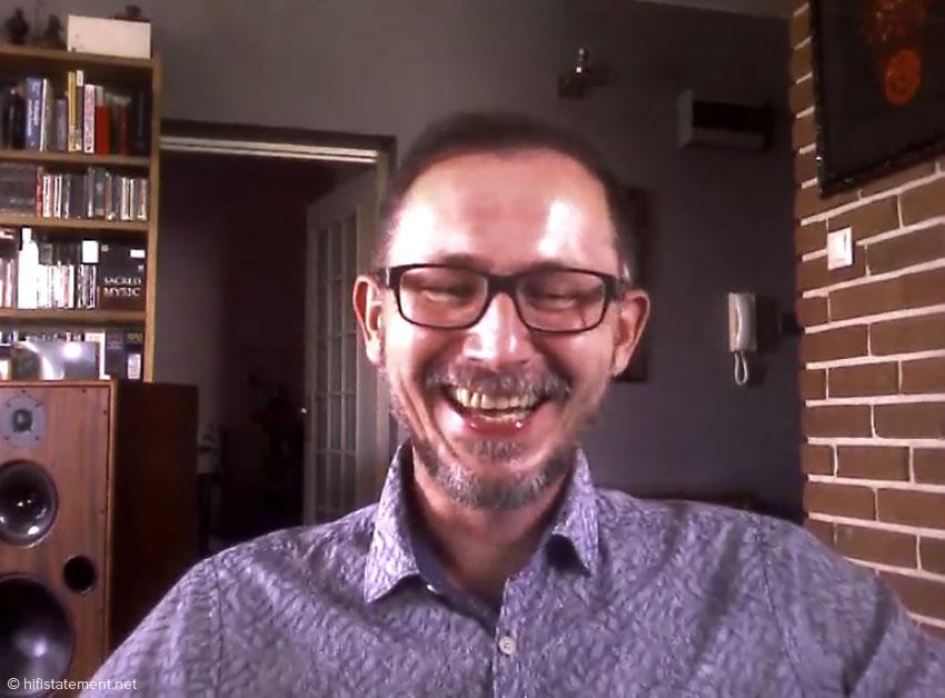Trotz Kontakts lediglich über Skype hat hat der Kollege Wojtek Pacula bei der Preisvergabe jede Menge Spaß