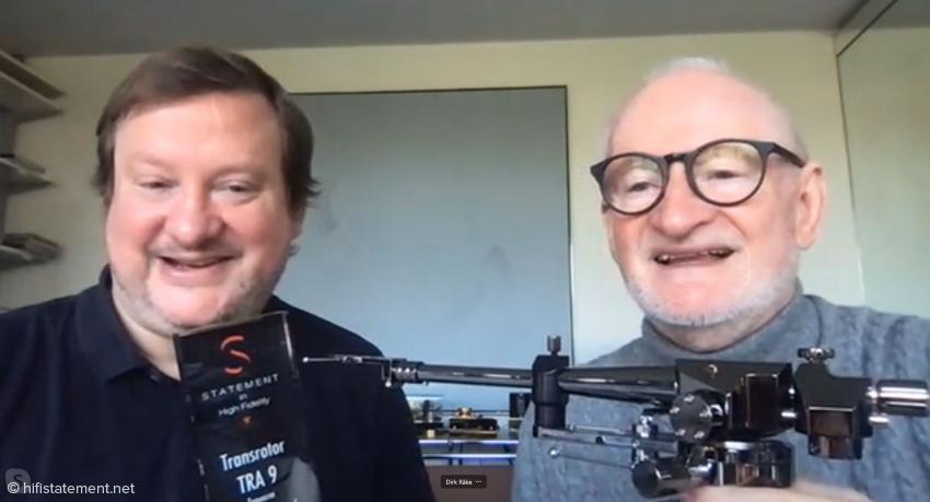 Jochen und Dirk Räke präsentieren ihren famosen TRA 9 und den Award