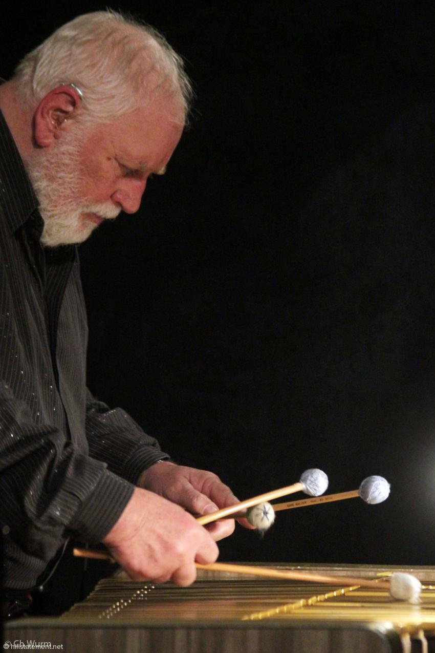 Wolfgang Schlüter faszinierte das Publikum mit seinem Spiel ebenso wie mit seinen eingängigen Kompositionen
