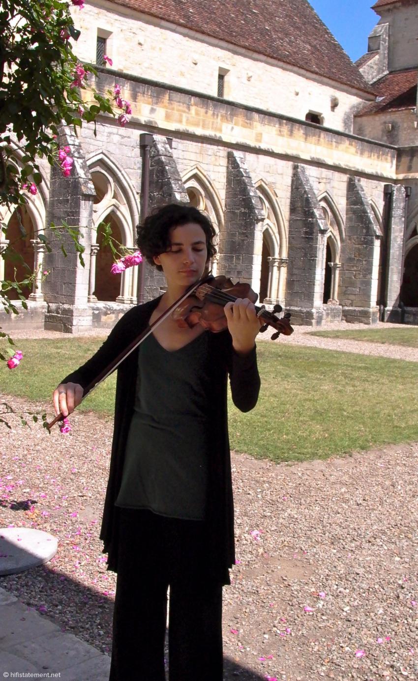Fanny Paccoud, Violine