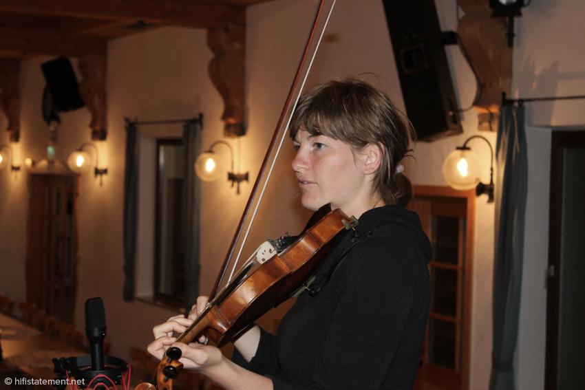 Claudia Schwab, Violine und Gesang