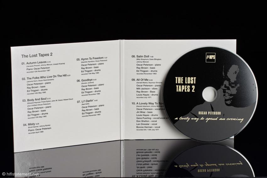 Die Titel finden auf dem Cover Platz, die Liner Notes der ersten sechs Alben werden gut leserlich im umfangreichen Booklet reproduziert