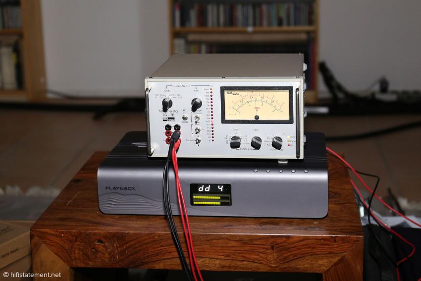 Nach der groben Pegeleinstellung muss beim Playback Designs Pinot die Kanalgleichheit per Frequenzgenerator justiert werden