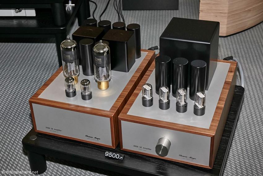 Für die neue ELROG 300B gibt es auch eine Stereo Endstufe aus dem Hause Mayer. Wie üblich mit getrenntem Netzteil und Röhren Gleichrichtung