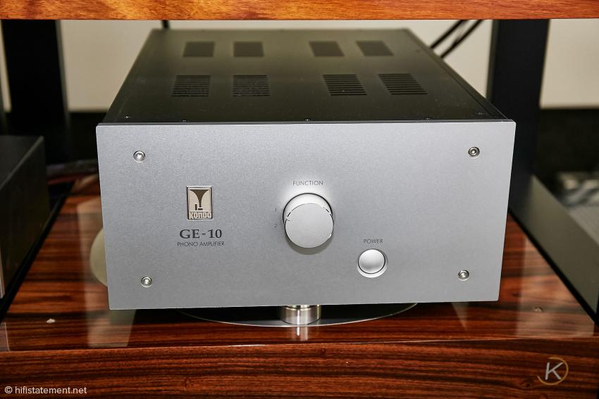 Der GE-10 Phonoverstärker wird zukünftig ebenfalls in dem neuen Frontplattendesign geliefert