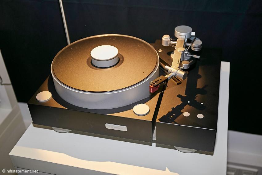 Das Modell Galder von Bergmann spielt auch mit Radialtonarmen. Eigentlich schade, wenn man sich die Tangentialarme der Firma ansieht