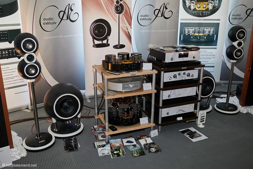 Die Anlage mit Audio Exklusiv CD-Tonquelle, Eternity-Jo Vor- und Endverstärker und den neuen runden Satelliten-Lautsprechern von Lautsprecher und Mehr