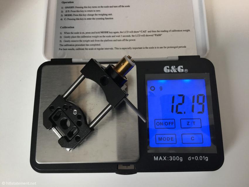 """Die Arche """"UL"""" (Ultraleicht) wiegt nur 12,2 Gramm und besteht aus Magnesium für die Luft- und Raumfahrt. Sie ist nur in schwarz erhältlich"""