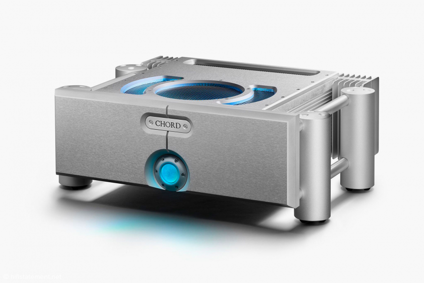 Stereo-Endstufe ULTIMA 5: zweimal 300 respektive zweimal 550 Watt an 8 beziehungsweise 4 Ohm, Preis 11.750 Euro