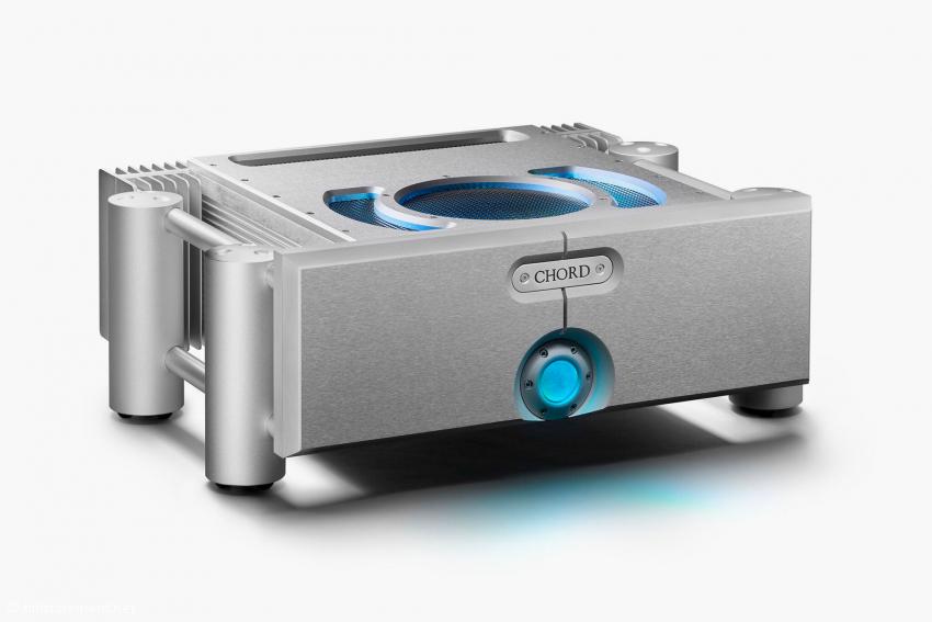 Stereo-Endstufe ULTIMA 6: zweimal 180 respektive zweimal 350 Watt 8 beziehungsweise 4 Ohm, Preis 7.100 Euro