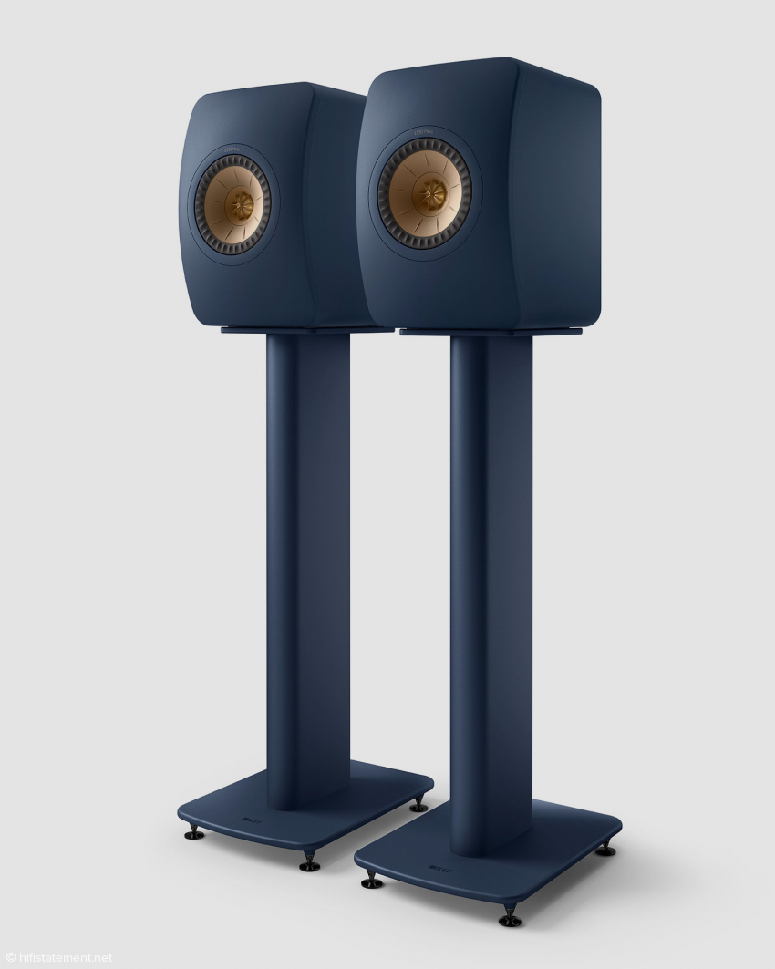 b_850_0_16777215_10_images_content_news_20-09-23_kef_LS50-Meta-on-S2-Floor-Stand_Royal-Blue-Special-Edition_Pair_Front_Spike-Disc.jpg