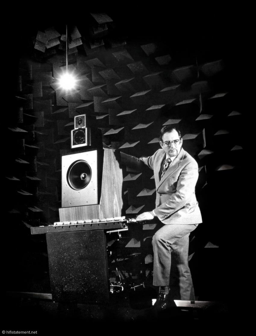 b_850_0_16777215_10_images_content_news_21-10-13_kef_Founder-Raymond-02.jpg