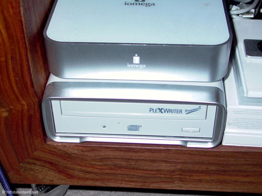 Amarra 2 sorgt nun auch bei der Wiedergabe einer CD über ein eingebautes oder externes CD-Laufwerk für besseren Klang wie hier beim PlexWriter Premium