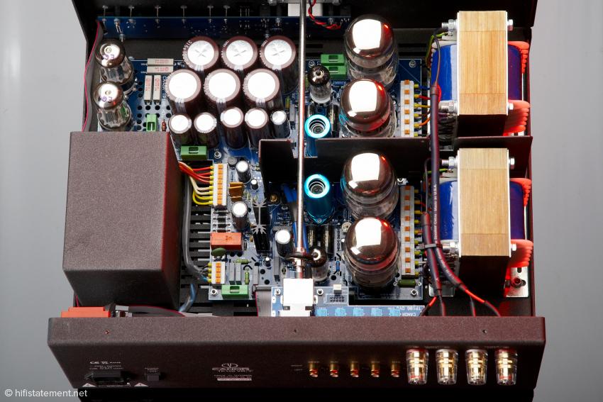 Viel Elektronik in einem Gehäuse – trotzdem mit Sinn und Verstand aufgebaut.