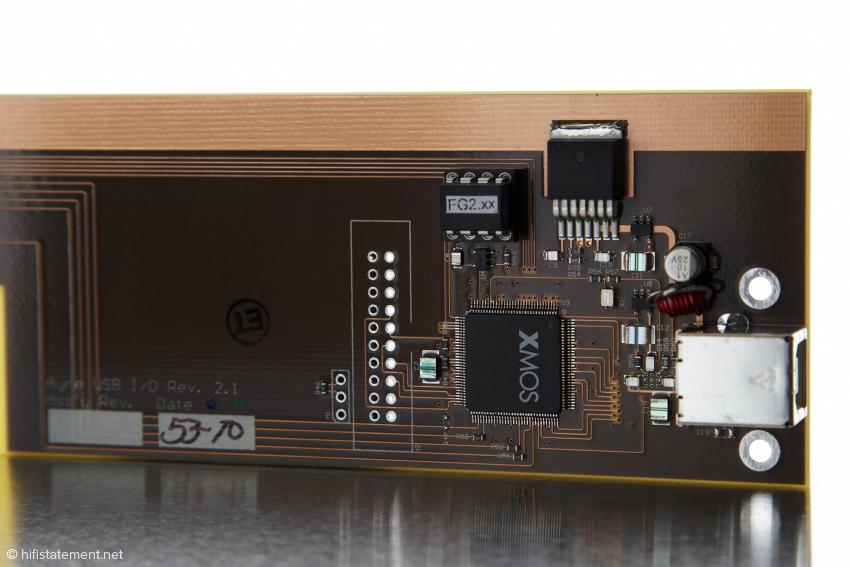 Der XMOS USB-Receiver macht den Unterschied: Zum einen lässt er Daten mit bis zu 192 Kilohertz zu, zum anderen soll er die Klangqualität des Ayre noch einmal verbessern