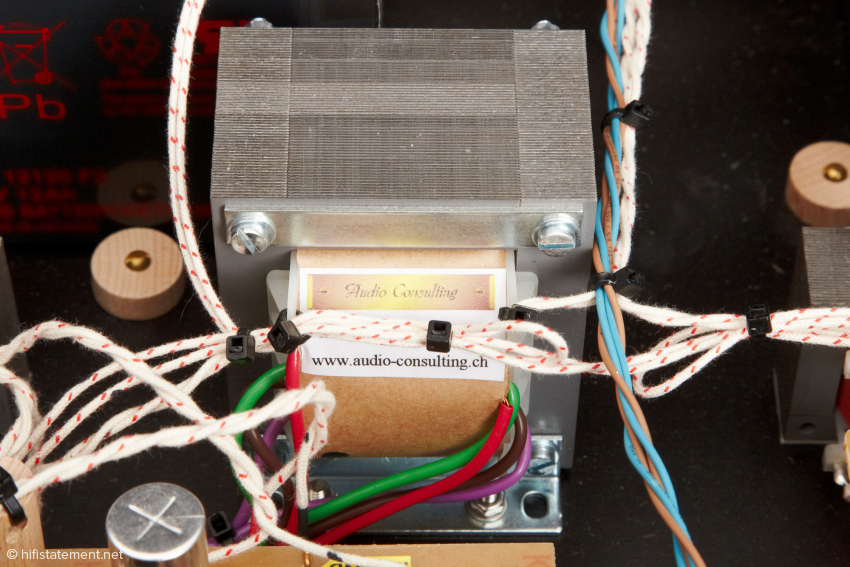 One of the output transformers, wired using in-house silver cable with cotton insulation.