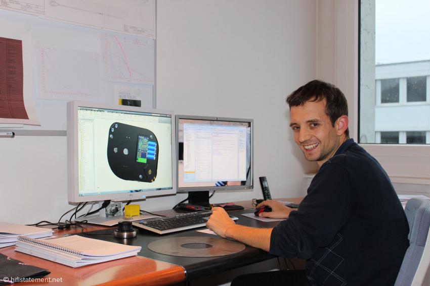 Micha Huber entwickelt seine Arme und Laufwerke an einem 3D-Cad-System