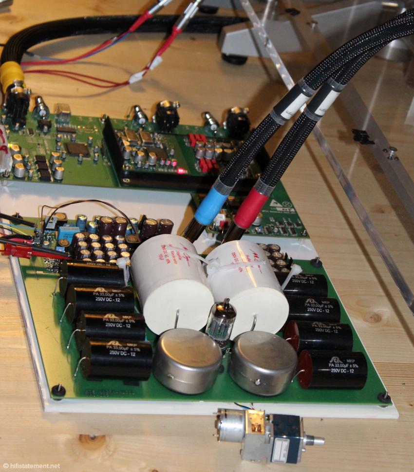 Die Zwischenübertrager und die Röhre prägen den Klang des neuen DACs