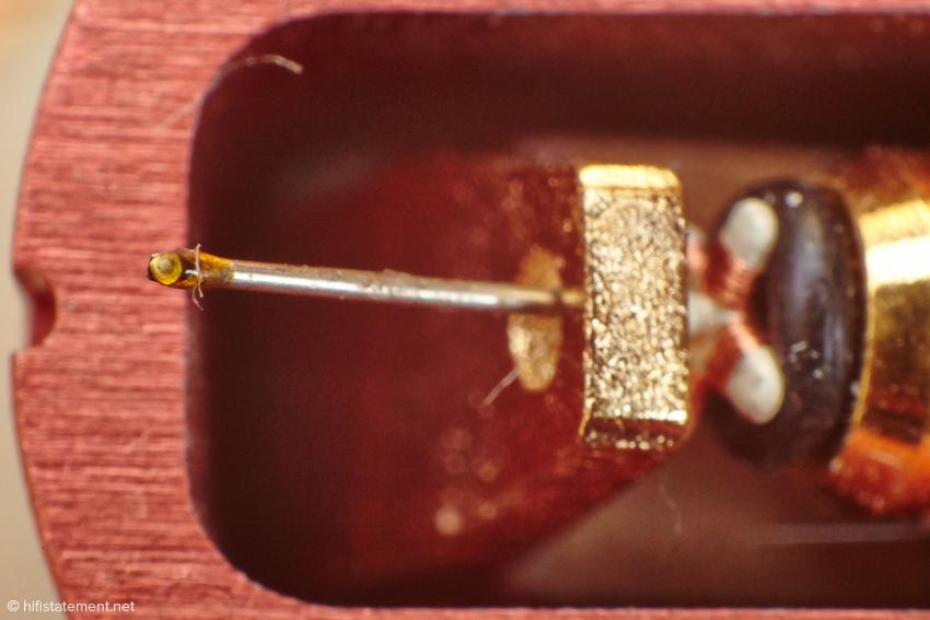 Der Diamant besitzt einen Line-Contact-Schliff