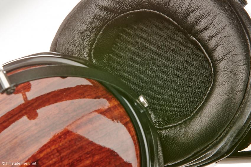 """Bei einem magnetostatischen Wandler wird die Membrane auf ihrer gesamten Fläche angetrieben. Ist die große Fläche der Grund für die ungewöhnlich """"körperliche"""" Wiedergabe?"""