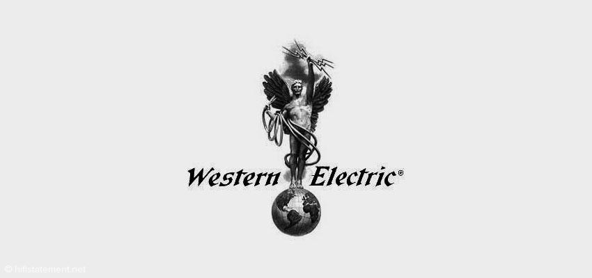 """Hier der nicht ganz jugendfreie """"Golden Boy"""" aus der goldenen Ära von Western Electric mit einer Rolle Kabel in der Hand"""