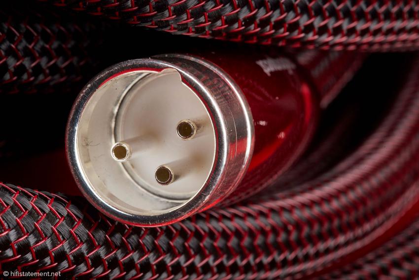 Die Kontaktstifte der neuen XLR-Stecker, mit denen jetzt auch das Wild Blue Yonder ausgestattet wird, sind hohl