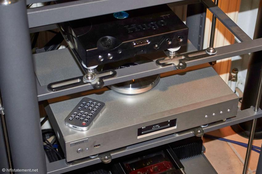 An den Streaming-Experimenten waren auch der Hugo TT oben und der Melco beteiligt