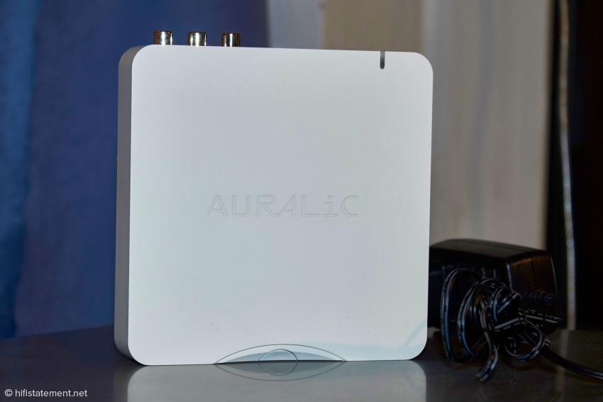 Der AURALiC Aries Mini wird mit einem Steckernetzteil geliefert