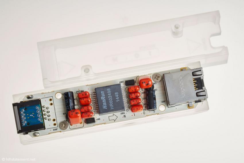 Zentrales Bauteil ist der für LAN-Anwendungen konzipierte Trenntrafo von HanRun