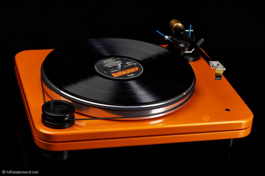 In orange ein absoluter Eyecatcher. Dem Pear Audio Blue Robin Hood sieht man die konstruktiven Details erst auf den zweiten Blick an