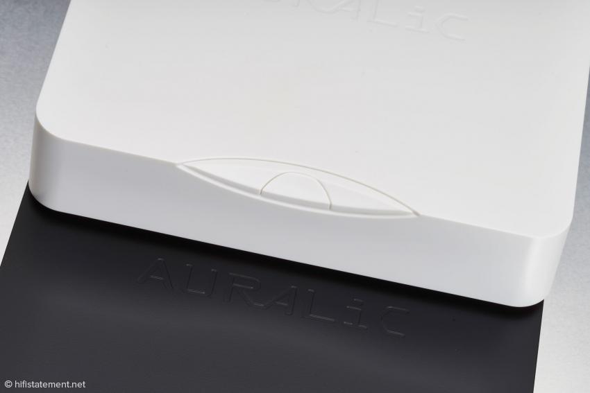 Die Tasten des Mini brauchen nicht zugänglich zu sein, wenn man ihn mit der Lightning DS App per iPad oder Android-Phone steuert