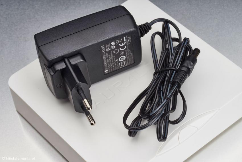 Dieses Steckernetzteil gehört zum Lieferumfang des Aries Mini