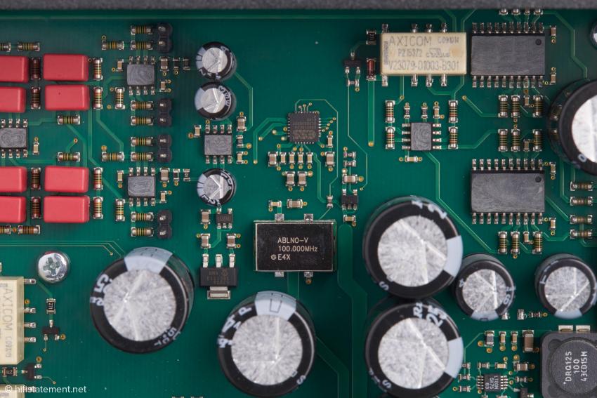 Ganz in der Nähe des Sabre-9018K2M-Chips befindet sich der Mytek Femtoclock Generator™