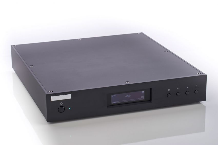 Solid and rigid aluminum enclosure with 'no frills' design that looks good in any Hi-Fi rack.