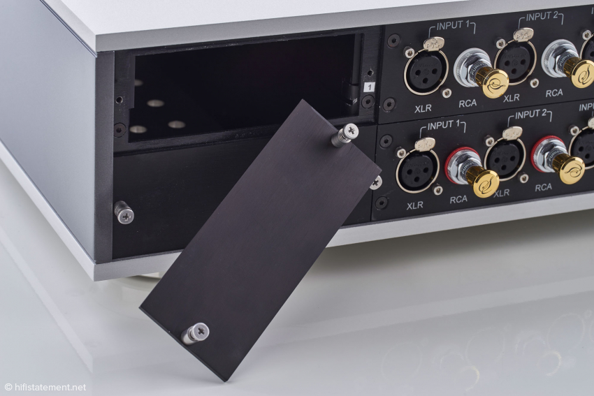 These compartments have been left empty: phono modules will be available next year
