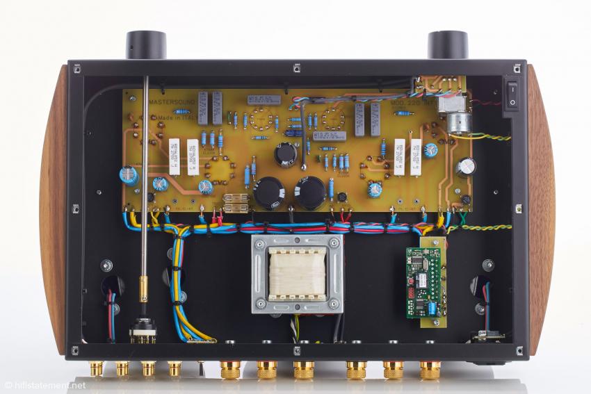 Die große Siebdrossel oder Choke filtert Hochfrequenzdreck und trägt zur absolut brumm- und störungsfreien Wiedergabe des DueVenti bei