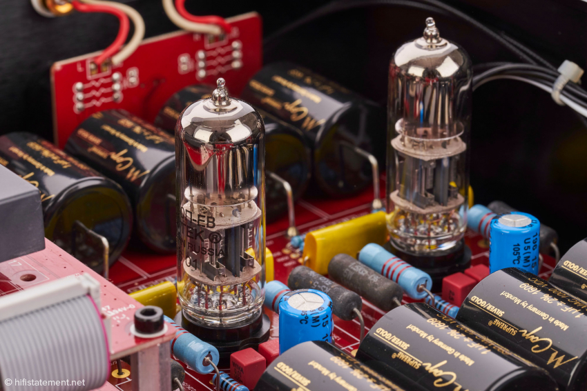 Die bekannte Doppeltriode 6H30 in der analogen Verstärkerstufe