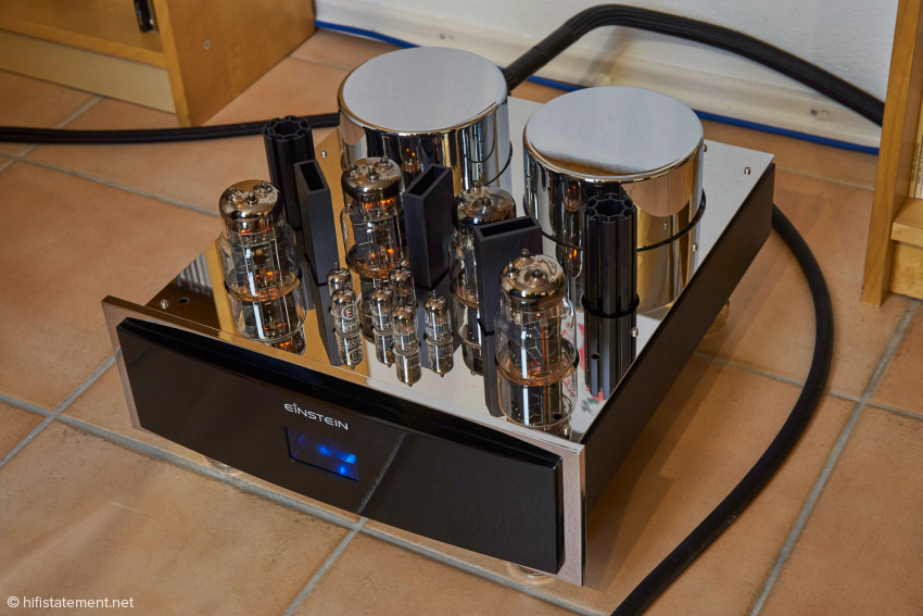 The Silver Bullet:  The mono amps come without an output transformer. Under the chrome covers the transformers of the two power supplies are concealed