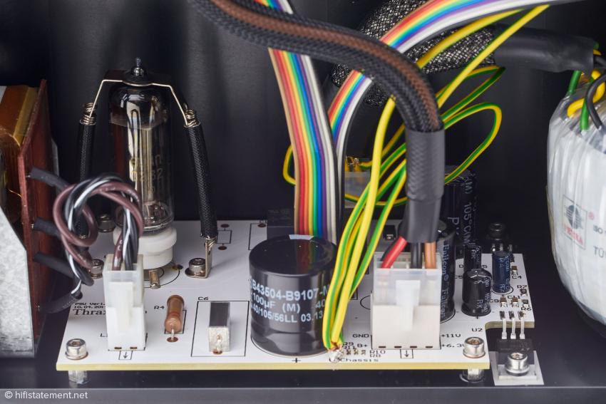 Das Netzteil der Vorstufe Dionysos mit der Gleichrichterröhre 6C4P-EV/ 6Ц4П